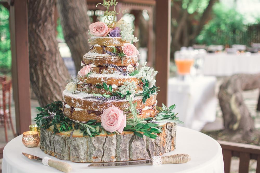 Nahá svadobná torta: Aj vy ste si obľúbili naked štýl
