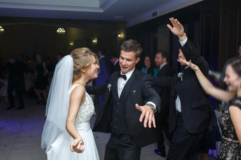 ako zostaviť svadobný playlist