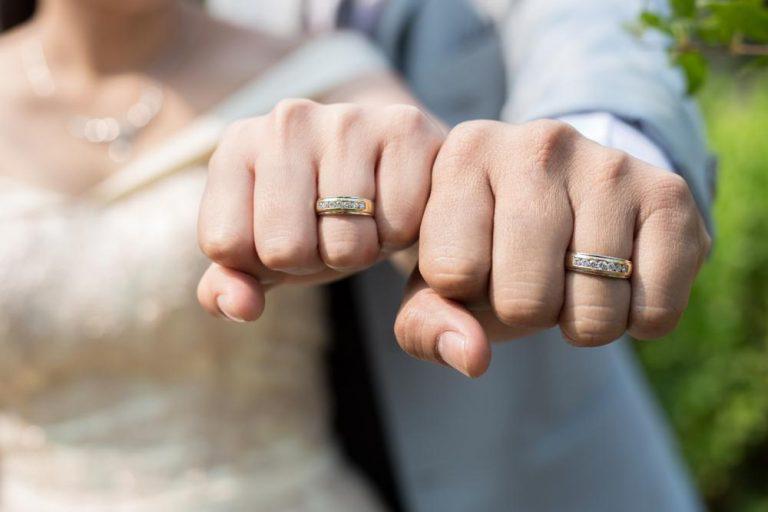 Prečo sa obrúčka nosí na ľavom prstenníku