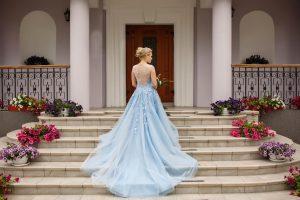 farebné svadobné šaty