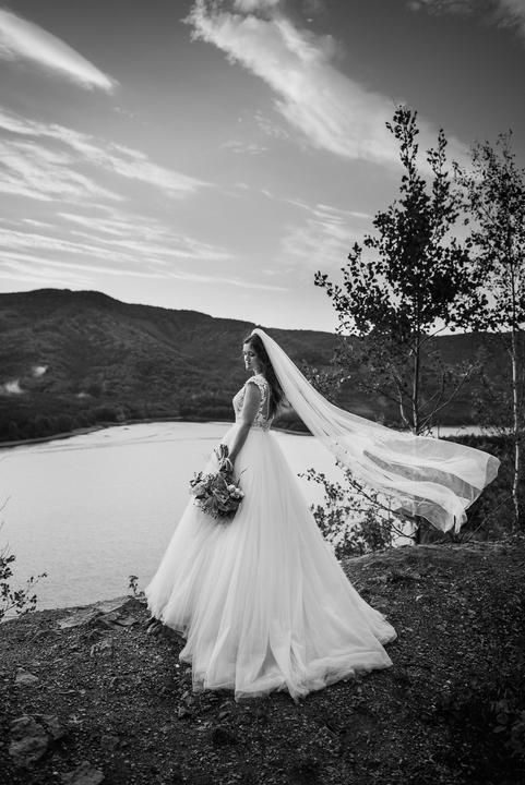 svadobné fotenie, čipkované svadobné šaty