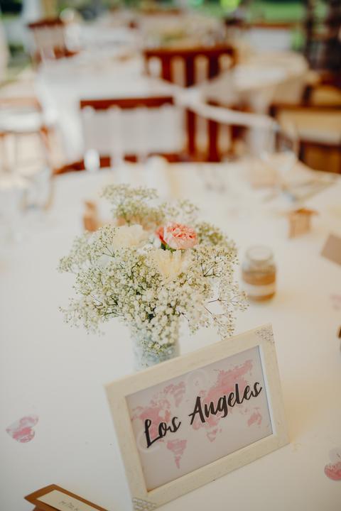 výzdoba okrúhlych svadobných stolov