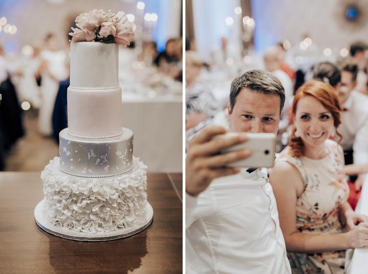vysoká biela svadobná torta