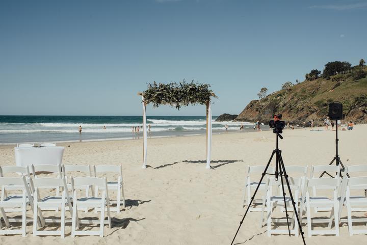 svadobná brána na pláži