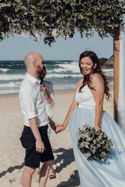 svadba na pláži pri mori