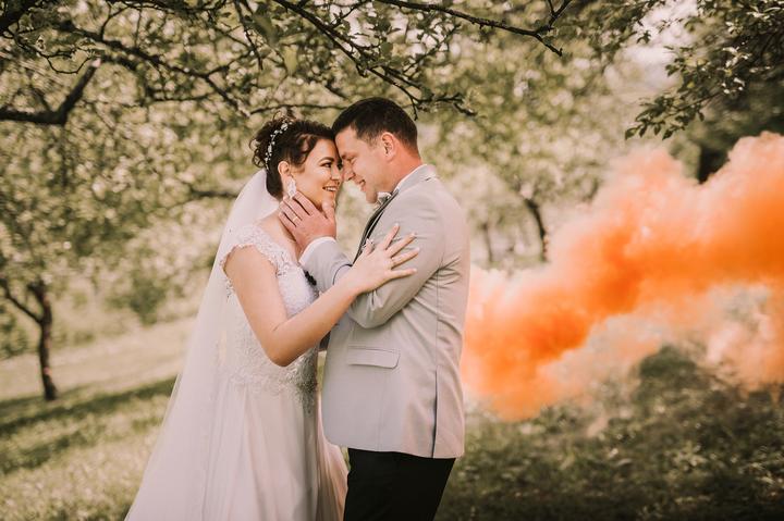 svadobné fotenie s dymovnicami