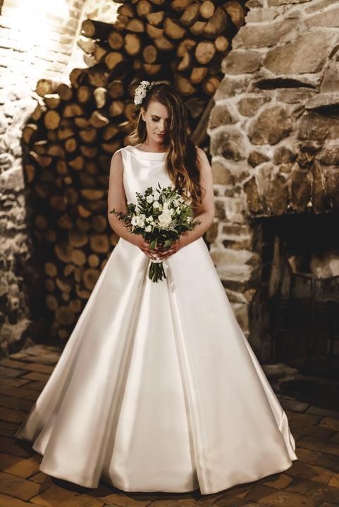 jednoduché elegantné svadobné šaty