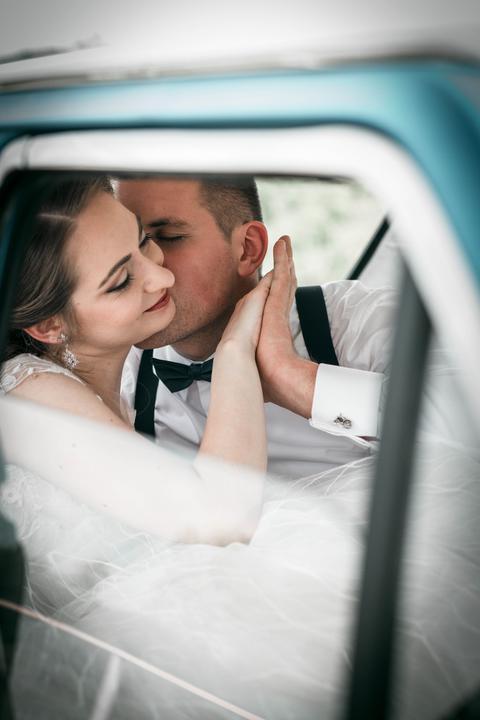 svadobné fotenie v aute