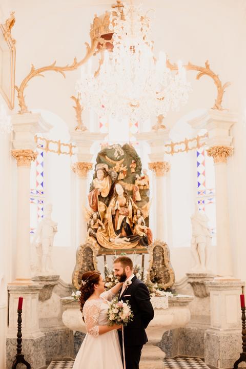 svadobné fotenie v kostole