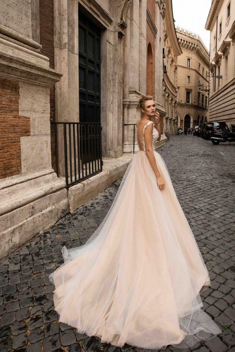 vzdušné a ľahké svadobné šaty Innocentia
