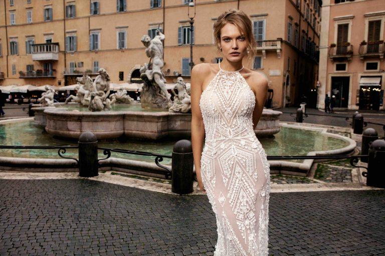 obtiahnuté elegantné svadobné šaty