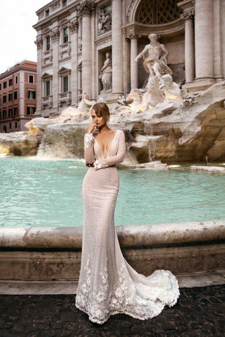 elegantné svadobné šaty s dlhým rukávom