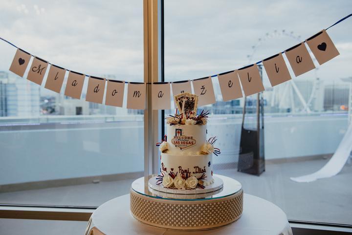 svadobná torta v štýle Las Vegas