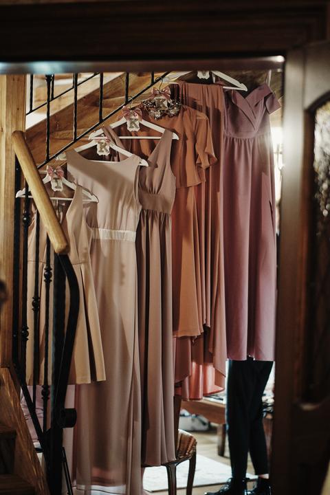 šaty pre družičky v odtieňoch ružovej