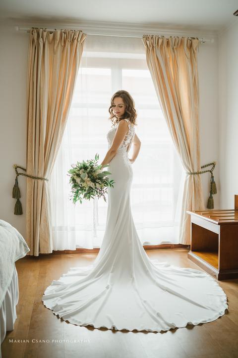 elegantné svadobné šaty