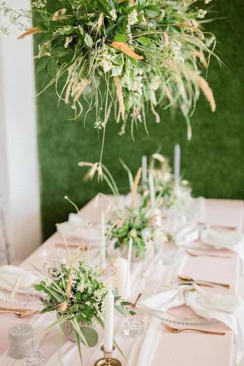 ružovo-zelená svadobná výzdoba