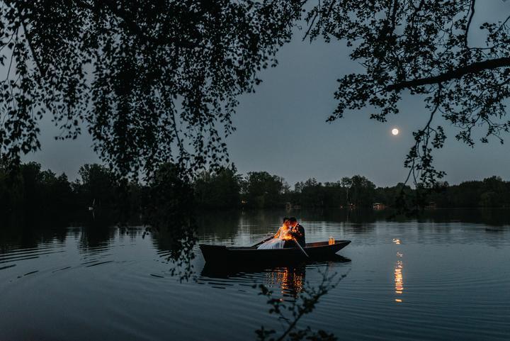 svadobné fotenie v noci na jazere