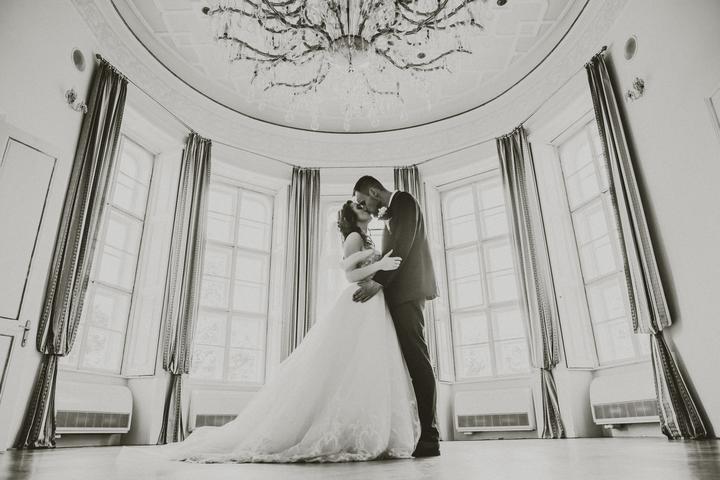 čierno-biele svadobné fotografie