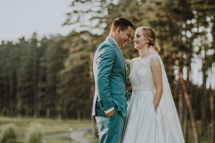 svadobné šaty s vreckami