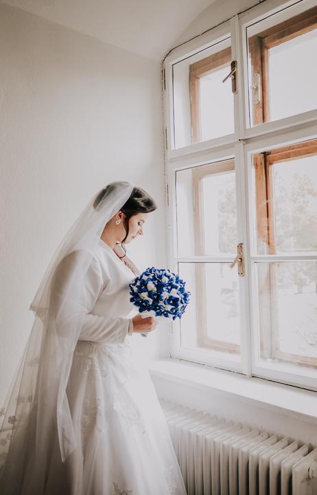 modrá svadobná kytica