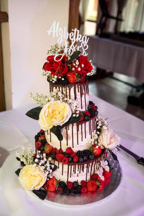 ovocná svadobná torta