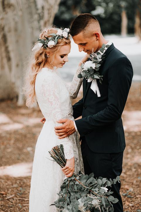 snehobiele svadobné šaty