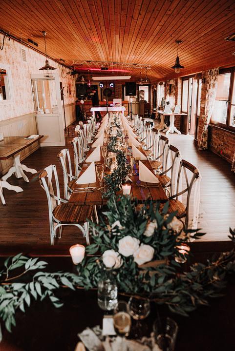 prírodná svadobná výzdoba v Restaurant Kalvín
