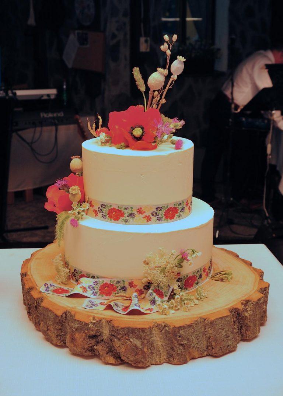 svadobná torta s vlčími makmi