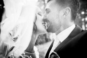 čiernobiele svadobné fotografie