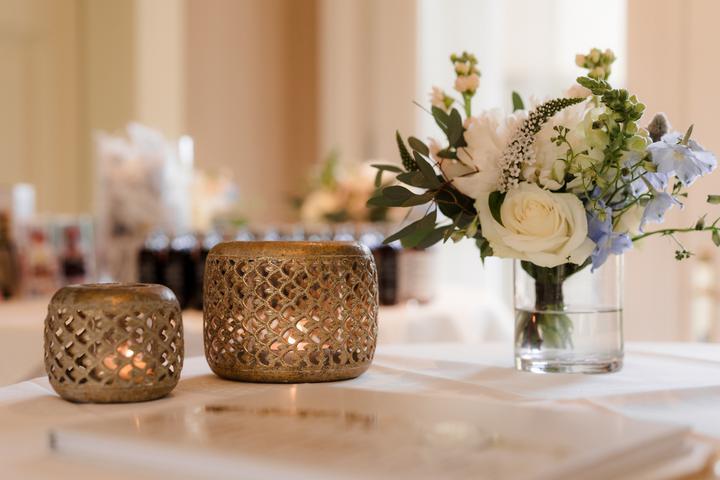 svadobné doplnky a dekorácie v zlatej farbe