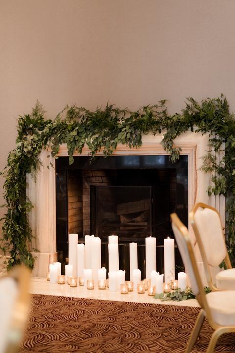 sviečky vo svadobnej výzdoby