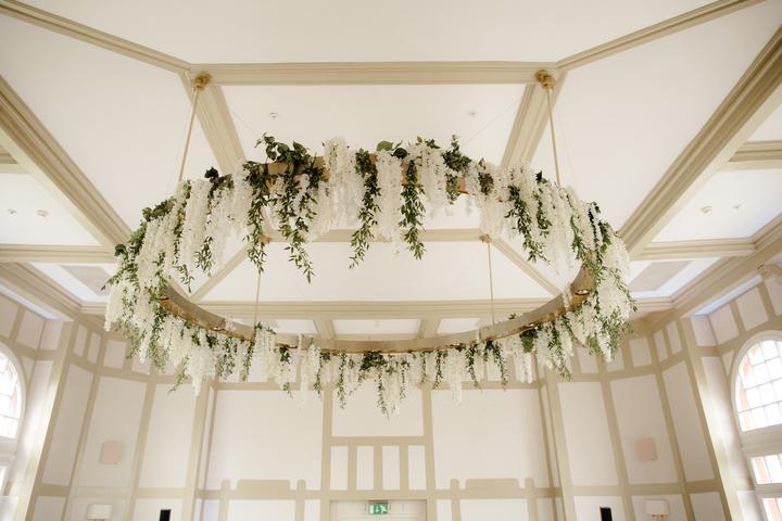 svadobná výzdoba stropu
