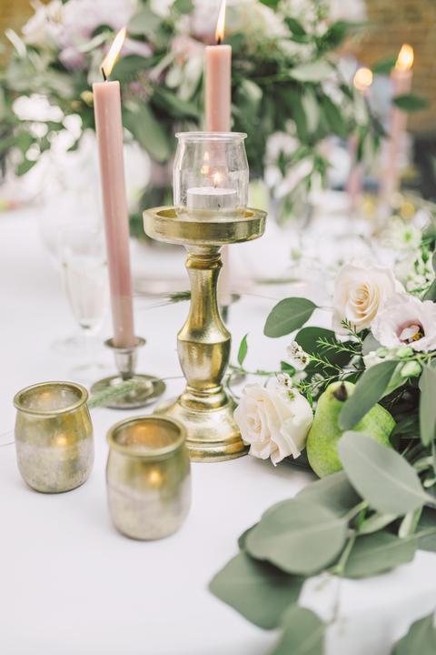 zlato-ružové svadobné dekorácie