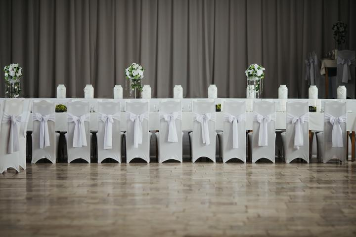 svadobné poťahy na stoličky