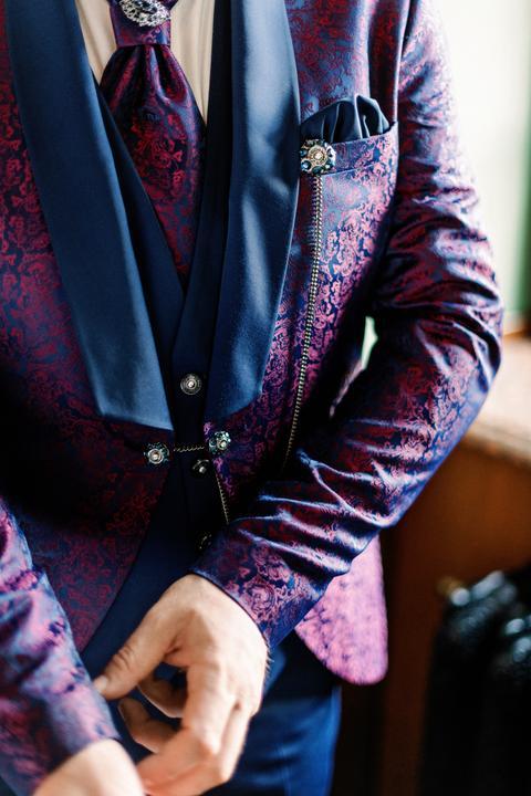 luxusný oblek pre ženícha