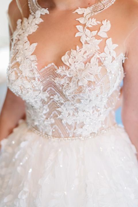 svadobné šaty s kvetmi
