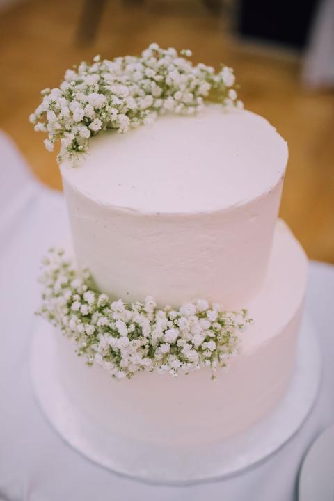 gypsomilková svadobná torta