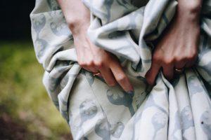 sukňa s makovičkami