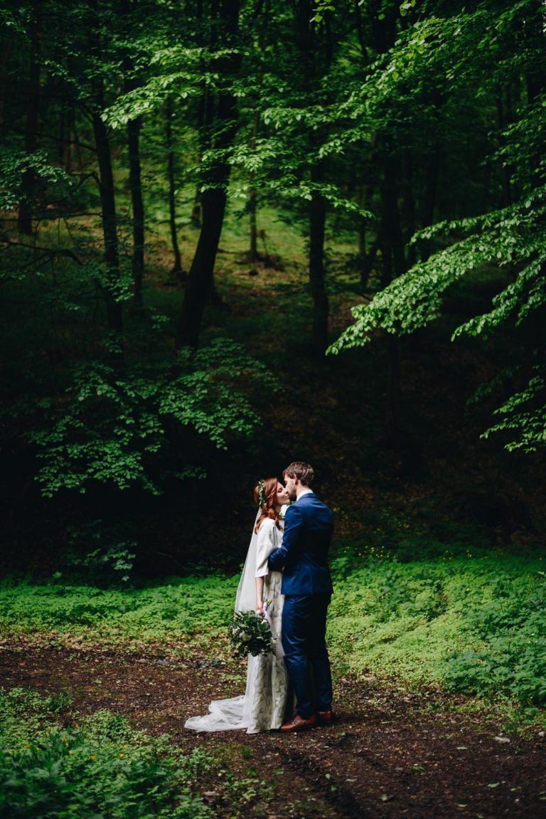 svadobné fotenie v lese