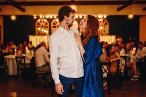 modré popolnočné šaty