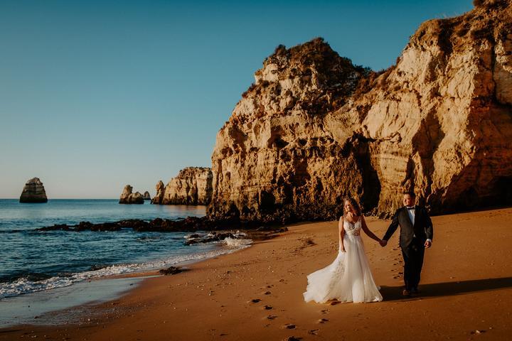 svadobné fotenie pri mori v Portugalsku