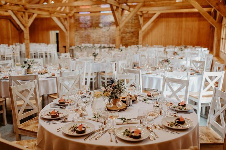 biela svadobná výzdoba