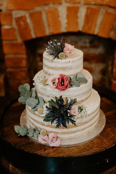 naked holá svadobná torta