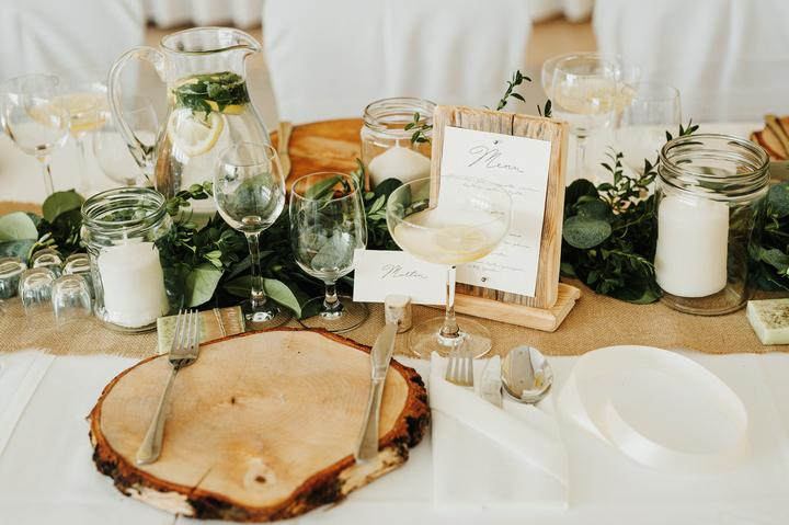 prírodná greenery svadobná výzdoba