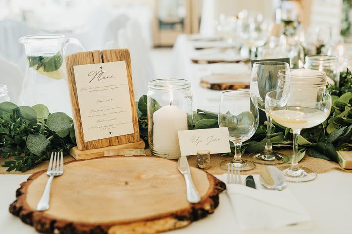 svadobná výzdoba s drevom