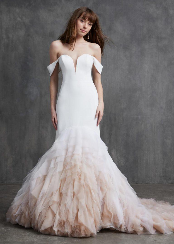 netradičné svadobné šaty s vlečkou Kelly Faetanini, model Joan