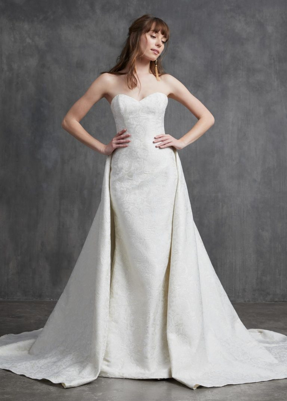vyšívané jednoduché svadobné šaty Kelly Faetanini, model Monroe