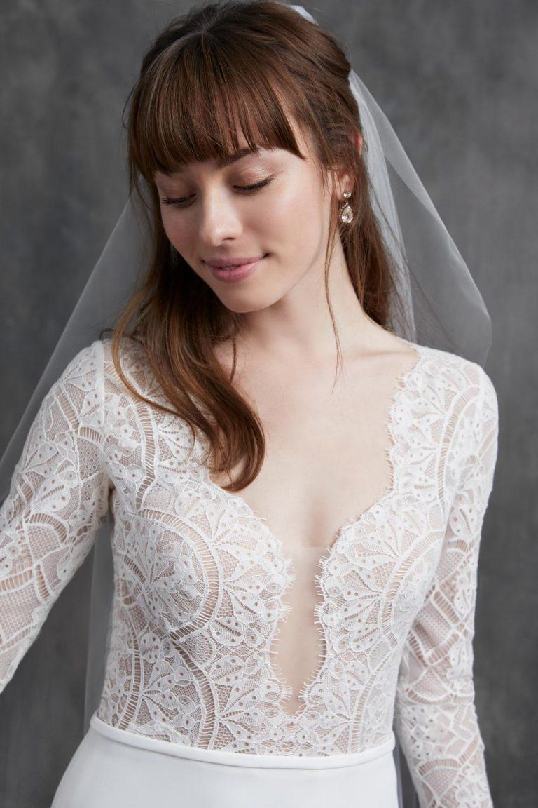 jednoduché svadobné šaty s čipkou Kelly Faetanini, model Bardot