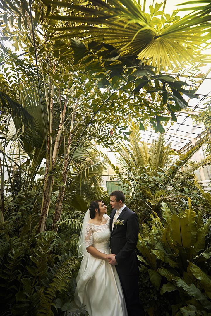 svadobné fotenie v botanickej záhrade