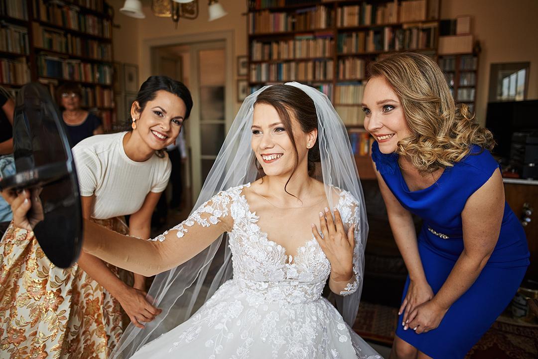 fotenie svadobných príprav nevesty